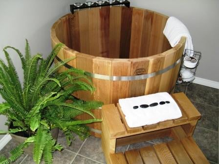 Japanese Soaking Tub - Ofuro - Ofuro Tub - Japanese Hot Tub