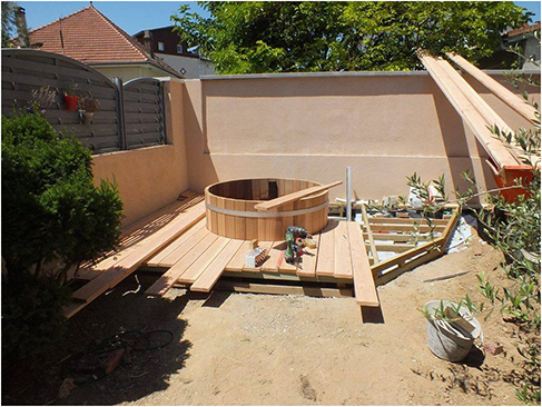 hottub enlosure deck