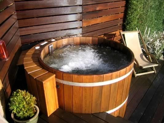 Round Hot Tubs Northern Lights Cedar Tubs