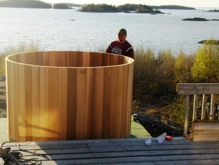 Elk Island Lodge Outdoor Tub