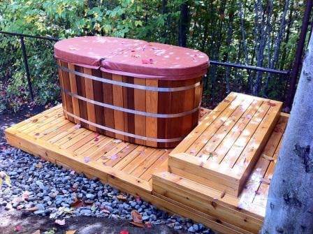 Northern Lights Cedar Tubs Small Multi Person Hot Tub