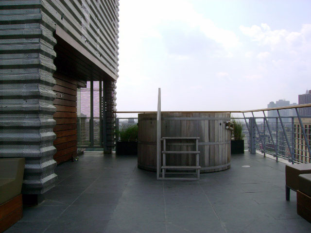 Hotel on Rivington Rooftop Spa Hot tub