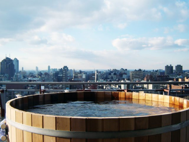 Manhattan Hotel on Rivington Rooftop Spa Hot tub