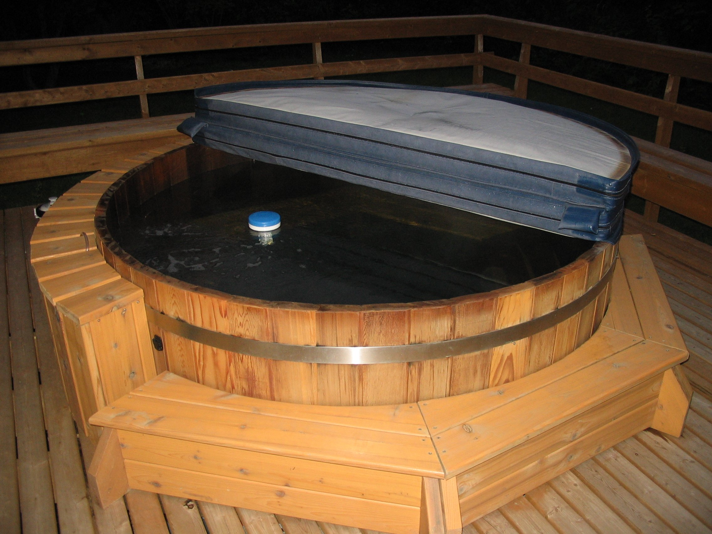 Classic Hot Tub Gallery 3