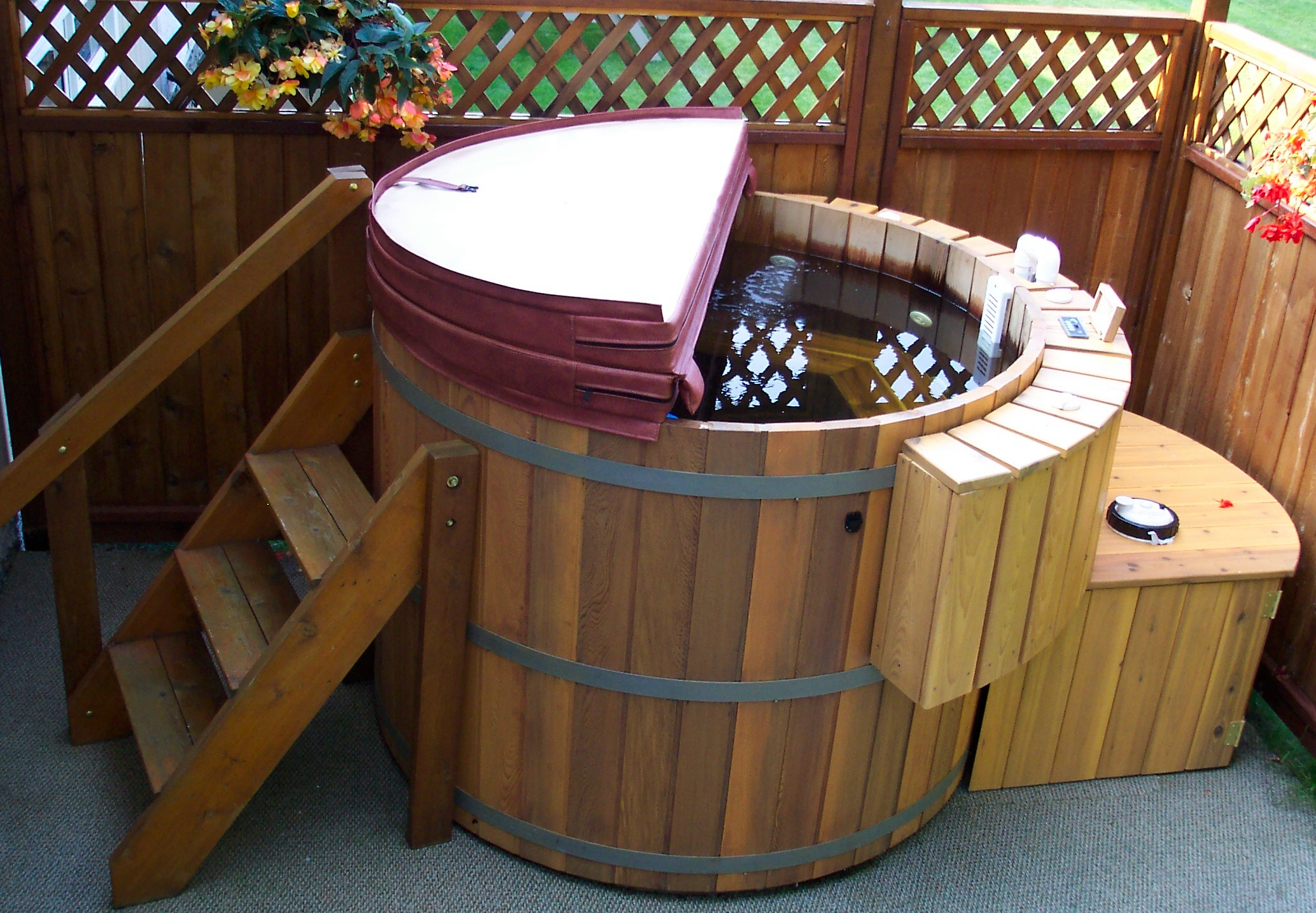 hot-tub-high-angle-view-7_11057983653_o