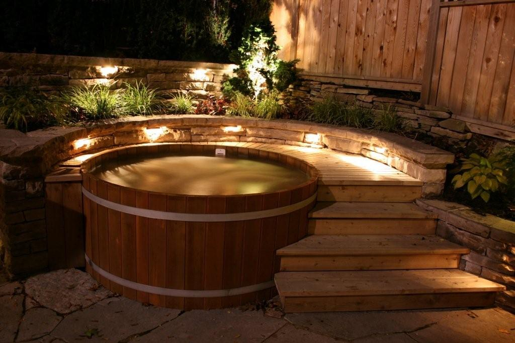 Northern lights cedar tubs quality cedar hot tubs for Types of hot tubs